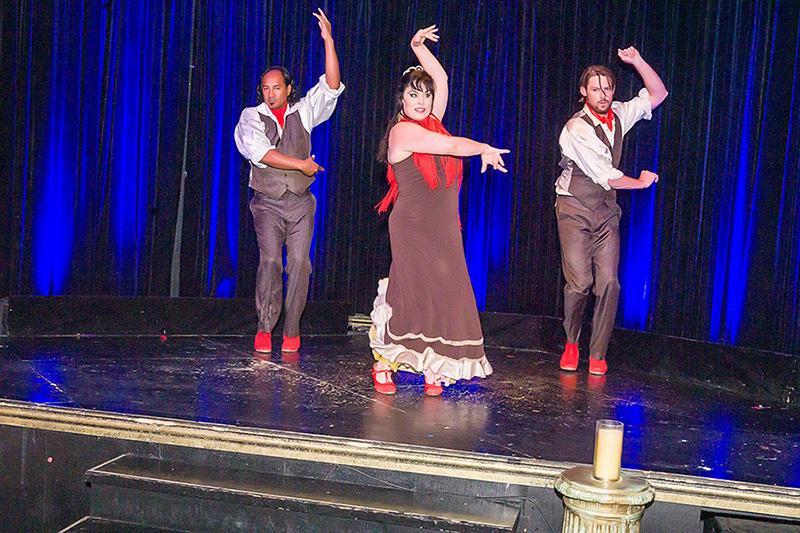 salsa_dancers